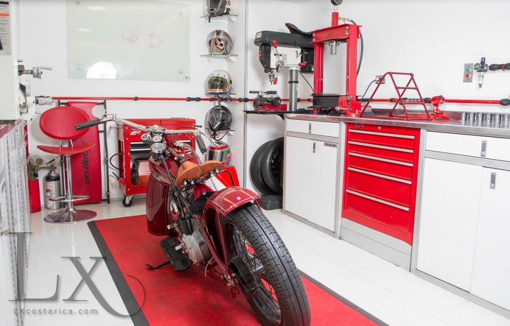 Garage-Motos